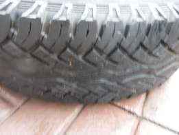 1xContinental CrossContact A/T tyre235/85/16,90 percent tread!!Bargain