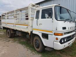 8 ton cattle body truck