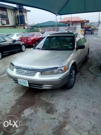 This is a very clean toyota camry tiny light silver Ikeja - image 5