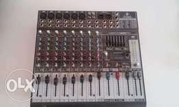 Behringer XENYX 1222FX mixing console