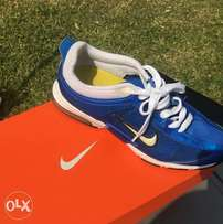 Nike takkie for ladies size 5