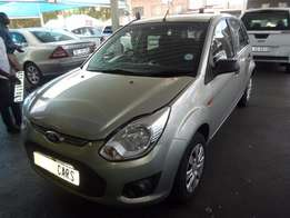 2013 Gold Ford Figo 1,4 Ambient
