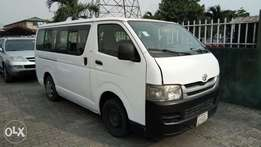 Clean Registered 2009 16-Passenger Toyota Hiace Hummer Bus With A/C.