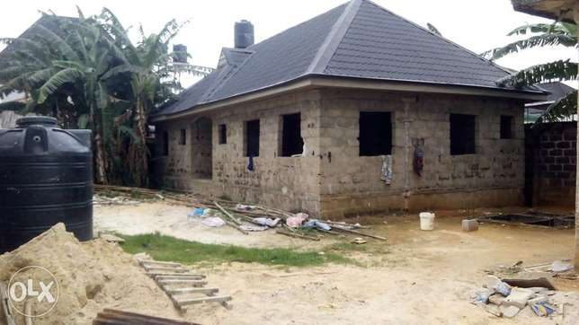 Distress sale! Uncompleted 3bedroom bungalow at new Rd off Ada George Port Harcourt - image 1