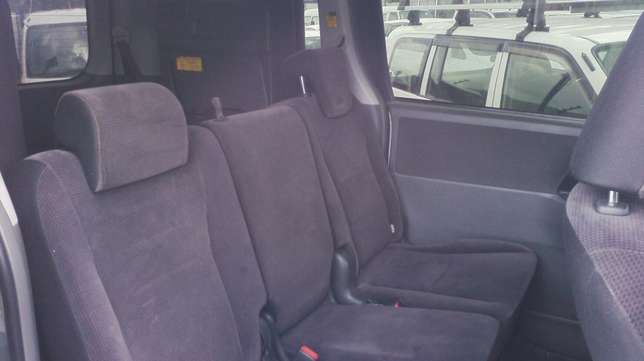 In perfect condition, Toyota Voxy, year 2008. Hurlingham - image 5