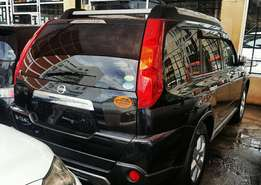 2010 model Nissan Extrail Metallic Black with Roof Rail Headlights