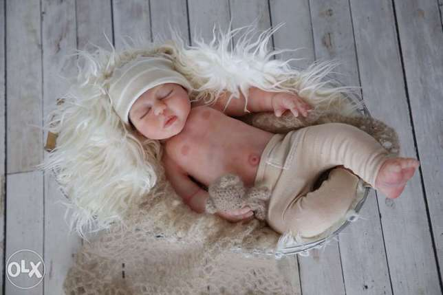Full body silicone baby doll Lorraine - image 1