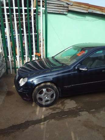 2003 Toks Benz C240 Direct. Automatic Lagos Mainland - image 4