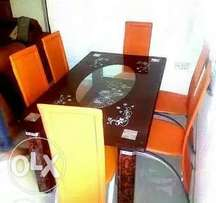 Stylish durable glass dinning table