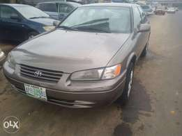 Super Clean Nigerian used Toyota Camry tiny light, first body