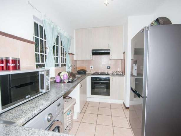 2 Bedroom Apartment / Flat to rent. Rivonia - image 6