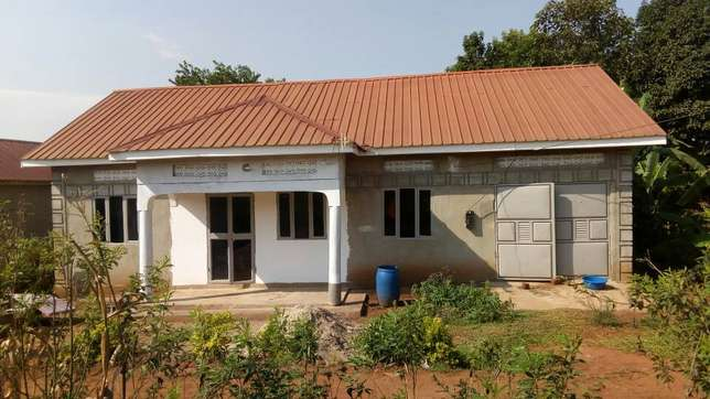 Beautiful house seated on 10decimals for sale in Gayaza titled at 55m Wakiso - image 1