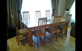 Solid oak tabel with chairs
