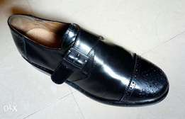 Black leather corporate men's shoe