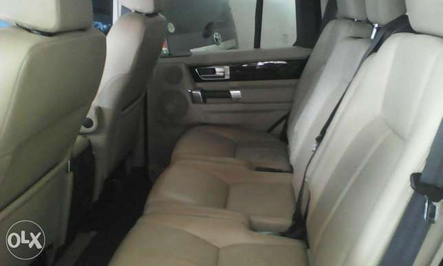 Range Rover Discovery 3.0 cc X UK loaded with triple sunroof Mombasa Island - image 4
