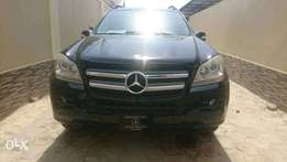 Quick sale: Very clean Mercedes Benz Gl450 for sale