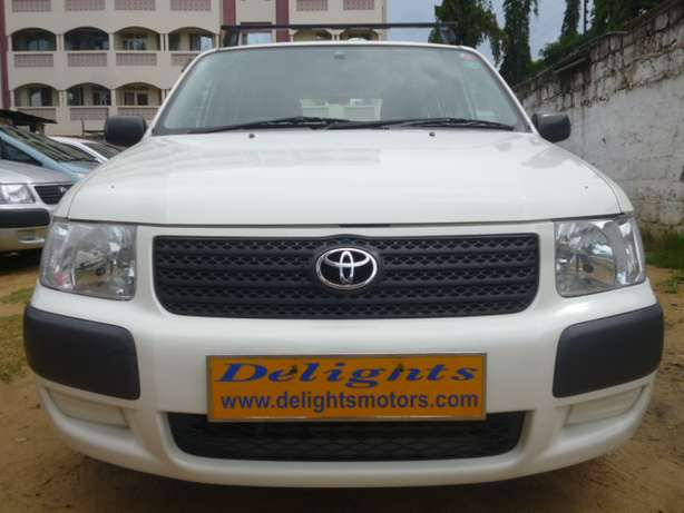 Toyota Succeed, White in Color, 2010 Model for Sale! Mombasa Island - image 3
