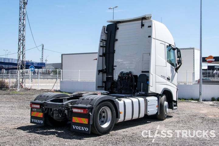Volvo FH13 500 4x2 XL Euro 6 RETARDER - 2017 - image 4