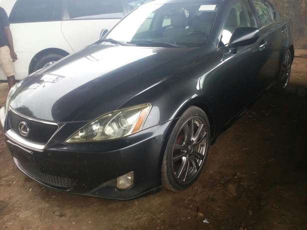 Tokunbo 2008 Lexus IS250 (Thumbstart+Navigation+Reverse Camera) Ikeja - image 2