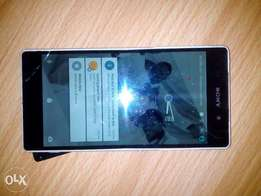 Sony Xpira Z2 torch and back glass need replacement.