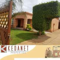 TEMBA: Lovely 3 bedroom, 1 Bathroom, 2 Outside bedrooms.