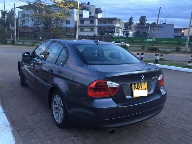 BMW 320i, Yr 2006, KBV, Auto, Leather Interior, Exceptionally Clean Nairobi West - image 4