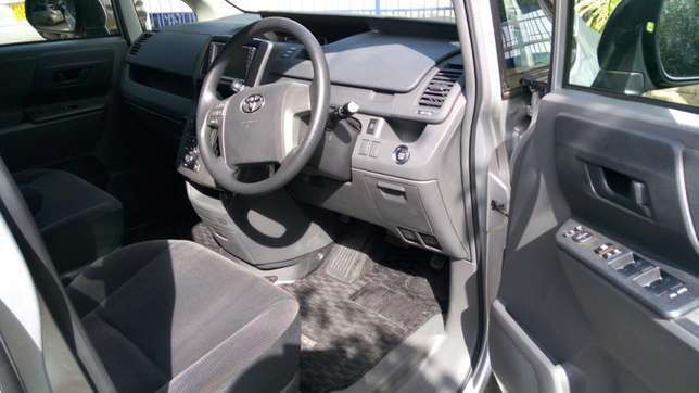 Fully loaded Toyota Noah Dagoretti - image 5