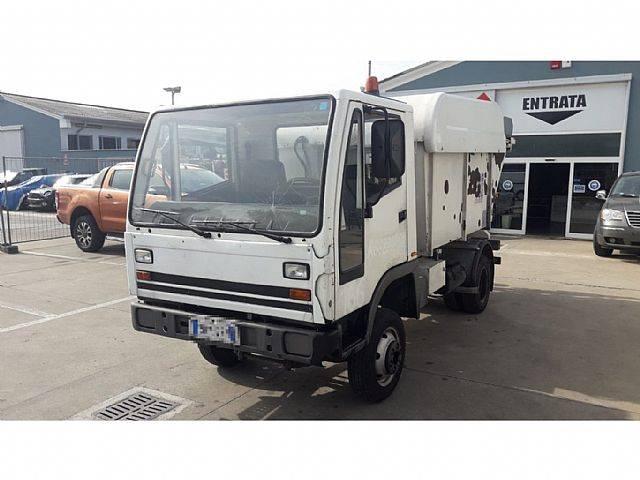 Bucher B 80 32 - 2001