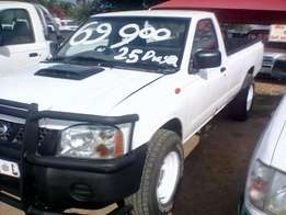 Nissan Hardbody Long-base 2.5Diesel, 2004 model