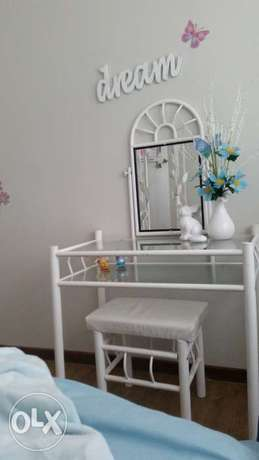 bed and dressing table for sale Krugersdorp - image 1
