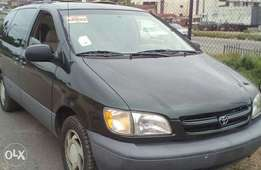 Tokunbo 2000 model sienna accident free AC perfect