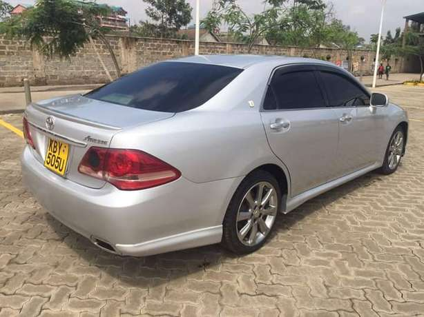 Toyota Crown Athlete In Excellent condition Nairobi West - image 4