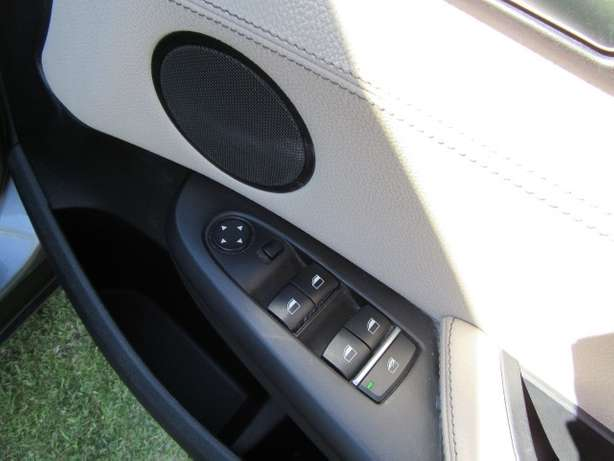 BMW x3Drive 2.0d Exclusive A/T- Full service history Kuils River - image 5