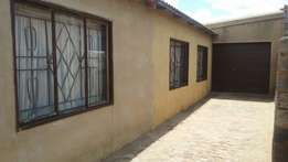 House for sale in Tembisa Isithame section.