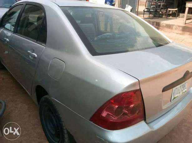 A very clear used Corolla 2004 Ikeja - image 3