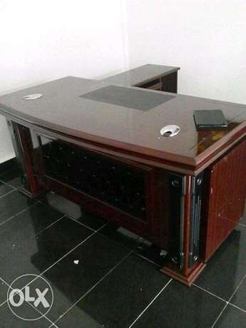Durable High quality executive office table Lekki - image 1