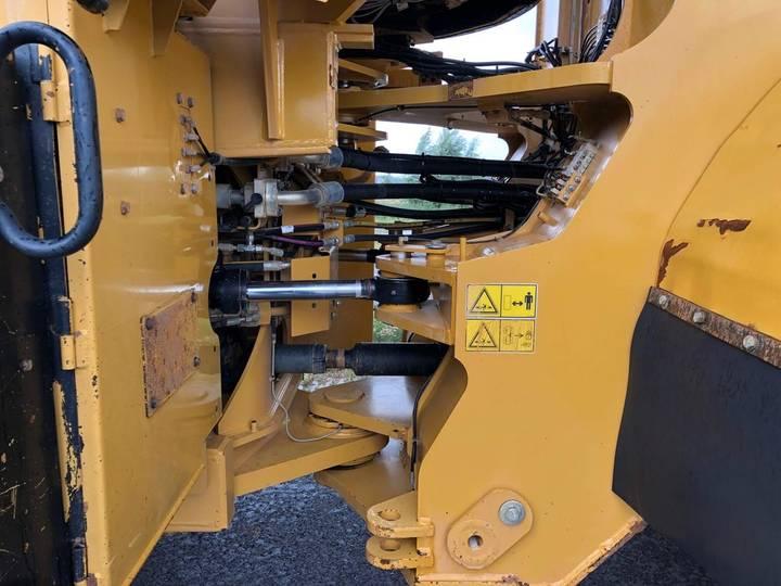 Caterpillar 980K wheel loader - 2013 - image 14