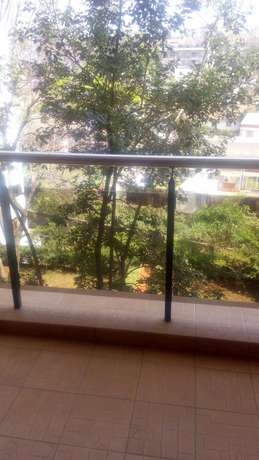 Awesome 3 bedroomed apartment on Riverside Kilimani - image 2