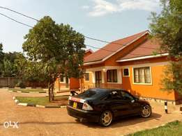 Executive two bedroom house for rent in kisasi at 500k