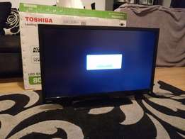 "Clean Toshiba 32"" LED HD TV"