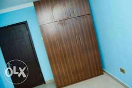 Perfect lovely 2bedroom akowonjo 400k.