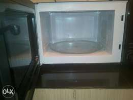 Ramtons Microwave Oven