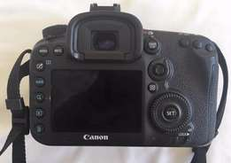 Canon EOS 7D Mark II DSLR body only in great and perfect condition