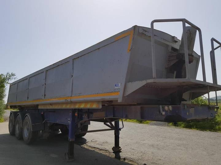 SDC Tipping Trailer - 2006