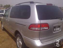 Neatly Painted 2000 Toyota Sienna Up for grabs!