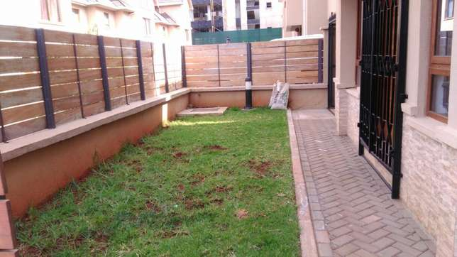Five bedroom town house Lavington - image 7