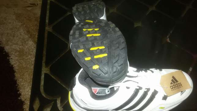 Adidas sports shoes size 41 Kiaora - image 3