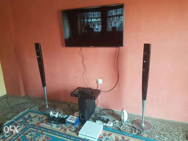 """Very Clean Samsung smart 3D TV""""55inch Ibadan Central - image 2"""