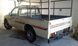 1995 isuzu kb230 complete vehicle nw stripping from R100