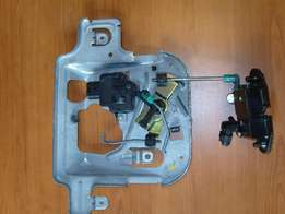 For Sale Actuator with latch for bootlid for PT Cruiser
